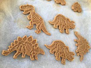 Heerlijke zandkoekjes in dinovorm