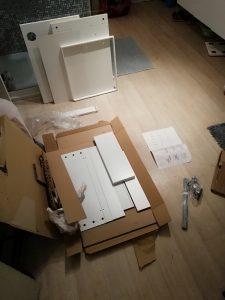 Ikea shoplog - Bureau in elkaar steken