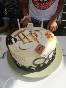 Diy Harry Potter taart met botercreme en oreo vulling