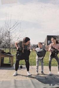 Gezellig thuis sporten met de kinderen tijdens lockdown - Lievelyne